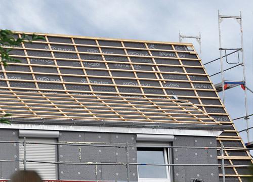 Renovierung Wohnhaus mit Alfa Rufol UDB-A und Dämmplatten verklebt mit WDVS-Kleber