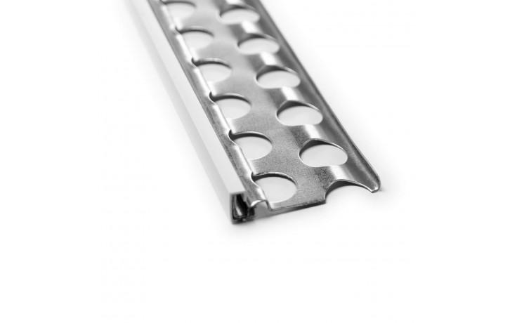 Besonders stabiles Putzabschlussprofil für den Außenputz mit Hart-PVC-Überzug